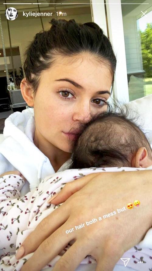 Kylie Jenner compartió historias sin maquillaje