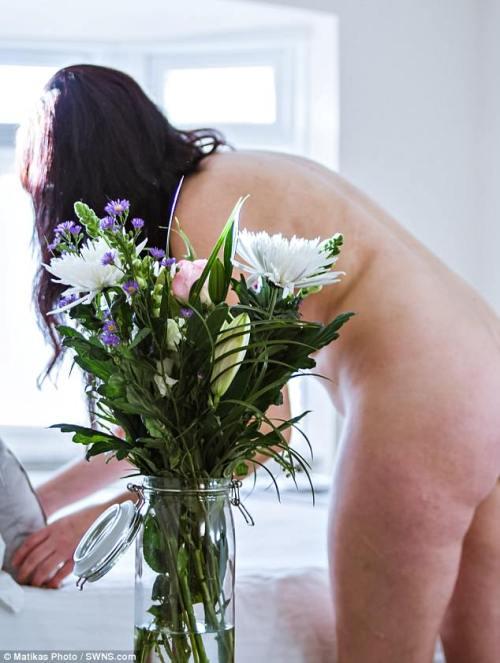 limpieza-desnudo-prefieren-mayores-naturist-cleaner