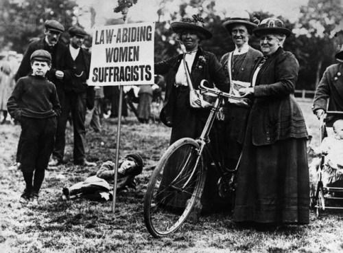 Historia de las mujeres y bicicletas