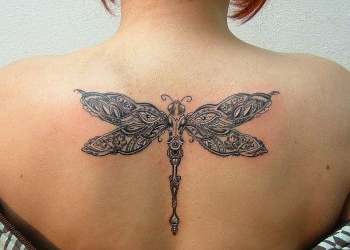 significado-oculto-tatuaje-libelula-tattoo-simbolismo-dragonfly
