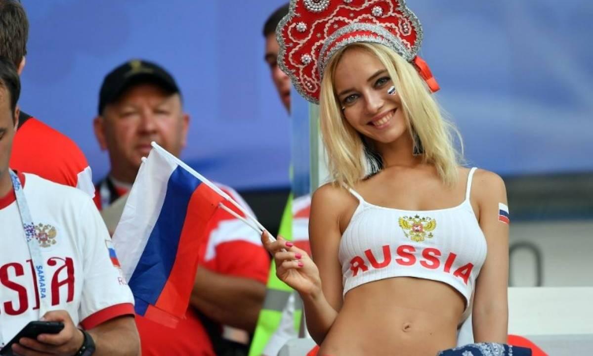 Actrices Porno Rusas Joven acusan a fan rusa de ser actriz porno | erizos