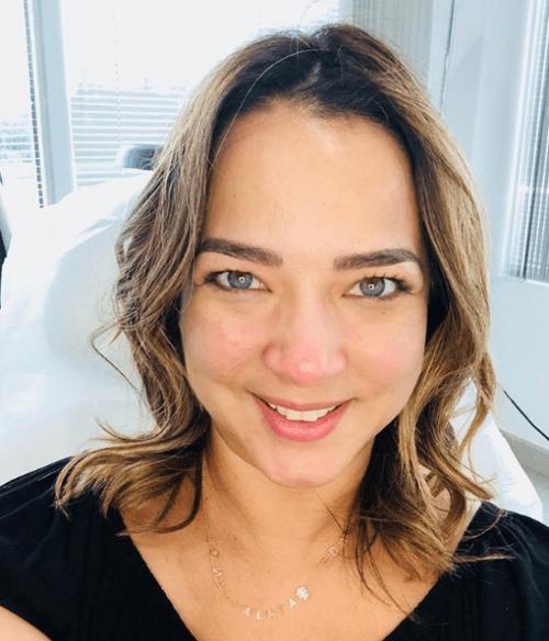 Critican a Adamari López por vestido