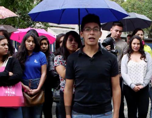 Estafan a alumnos de la UPN
