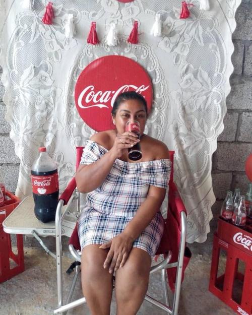 Senora Festejo Cumpleanos Coca Cola
