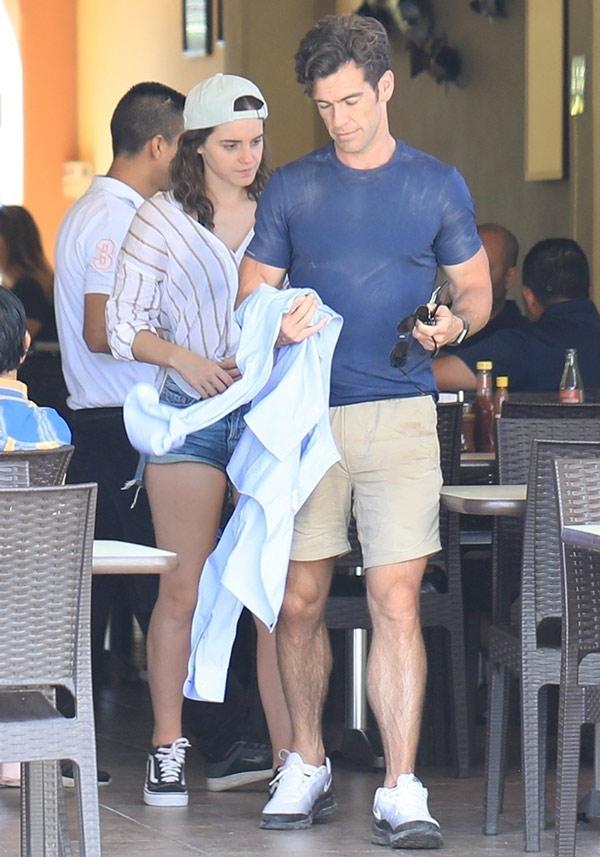 Emma Watson tiene nuevo novio ya estamos en depresión mágica