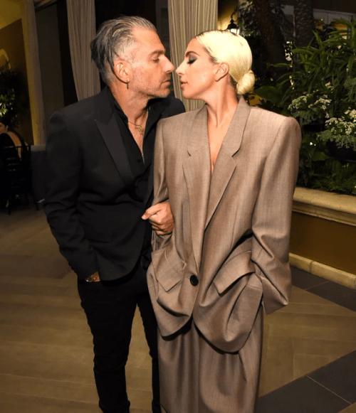 Lady Gaga se conpromete