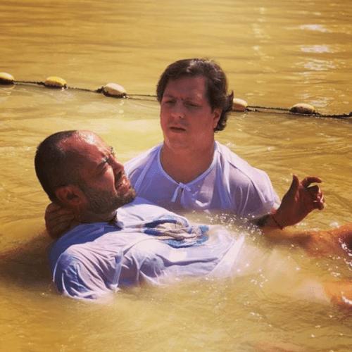 Mauricio Clark recibe el bautizo