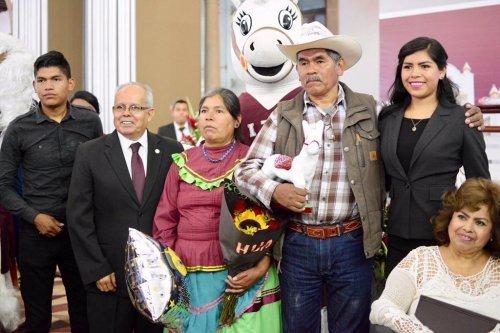 Padres indígenas en Durango