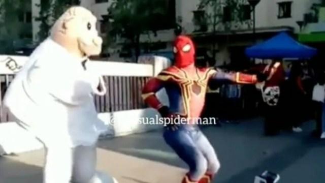 Dr Simi y Spiderman Bailando, Dr Simi Bailando, Spiderman, Estúpido Y Sensual Spiderman, Doctor Simi, Chile