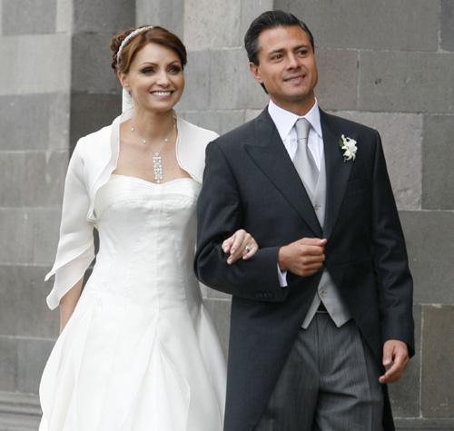 Peña Nieto y Angélica Rivera cumplen años casados y no lo recuerdan