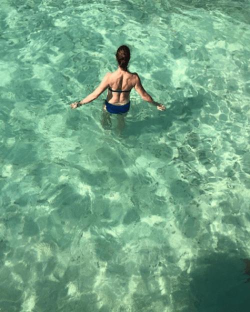 Brooke Shields publica foto en bikini a los 53 años
