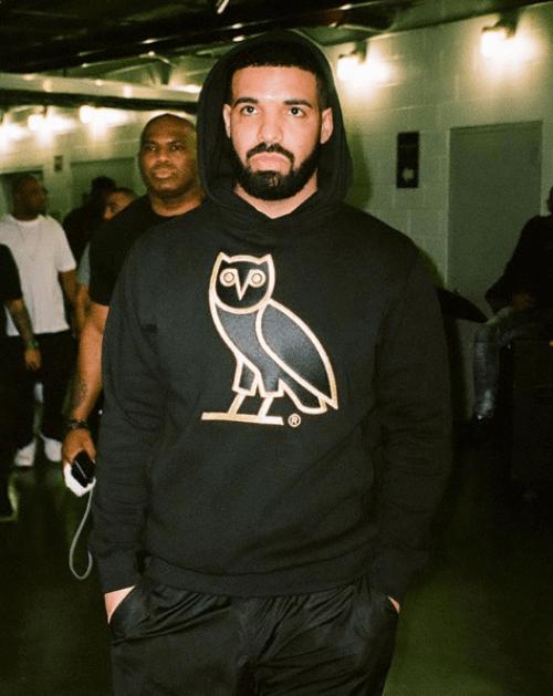 Drake sube selfie sexi