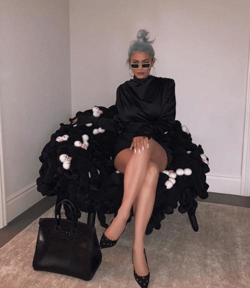 Kylie Jenner le regala silla de 25 mil dólares a su hija