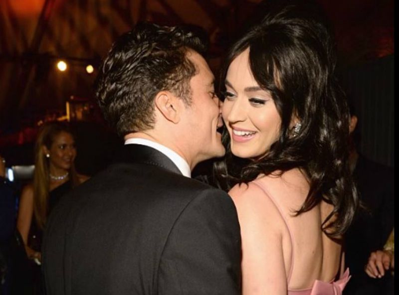 Katy Perry y Orlando Bloom se comprometieron con anillo