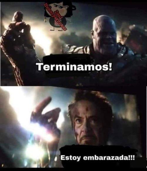 Memes de Iron Man tronando los dedos en Avengers Endgame