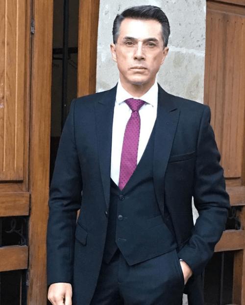 """Sergio Mayer lamenta la posible exitinción de la """"vaquita amarilla""""."""