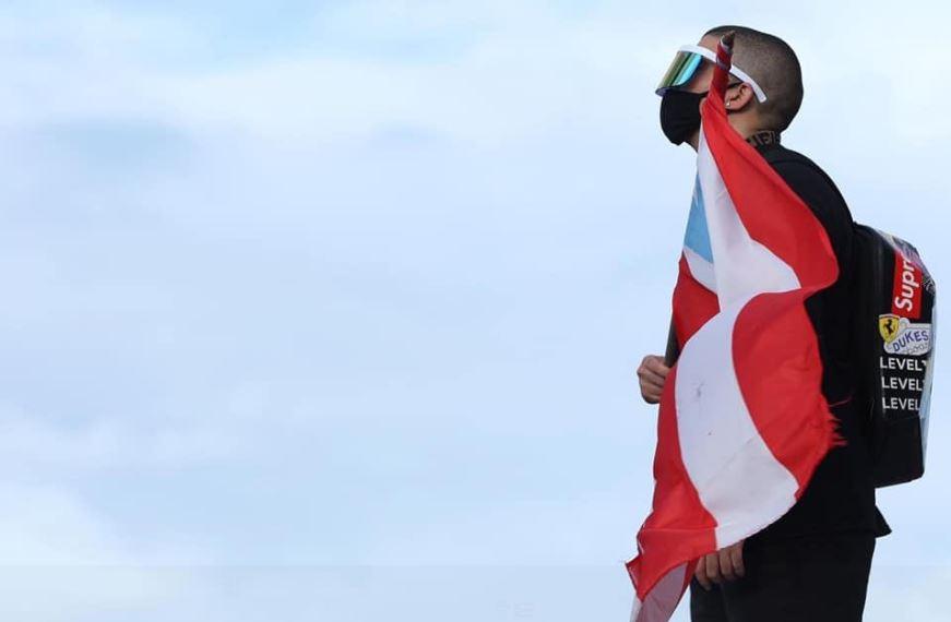 Bad Bunny retira de música por protestas en Puerto Rico
