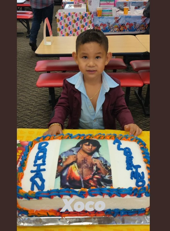 Niño festeja su cumpleaños disfrazado de Albertano