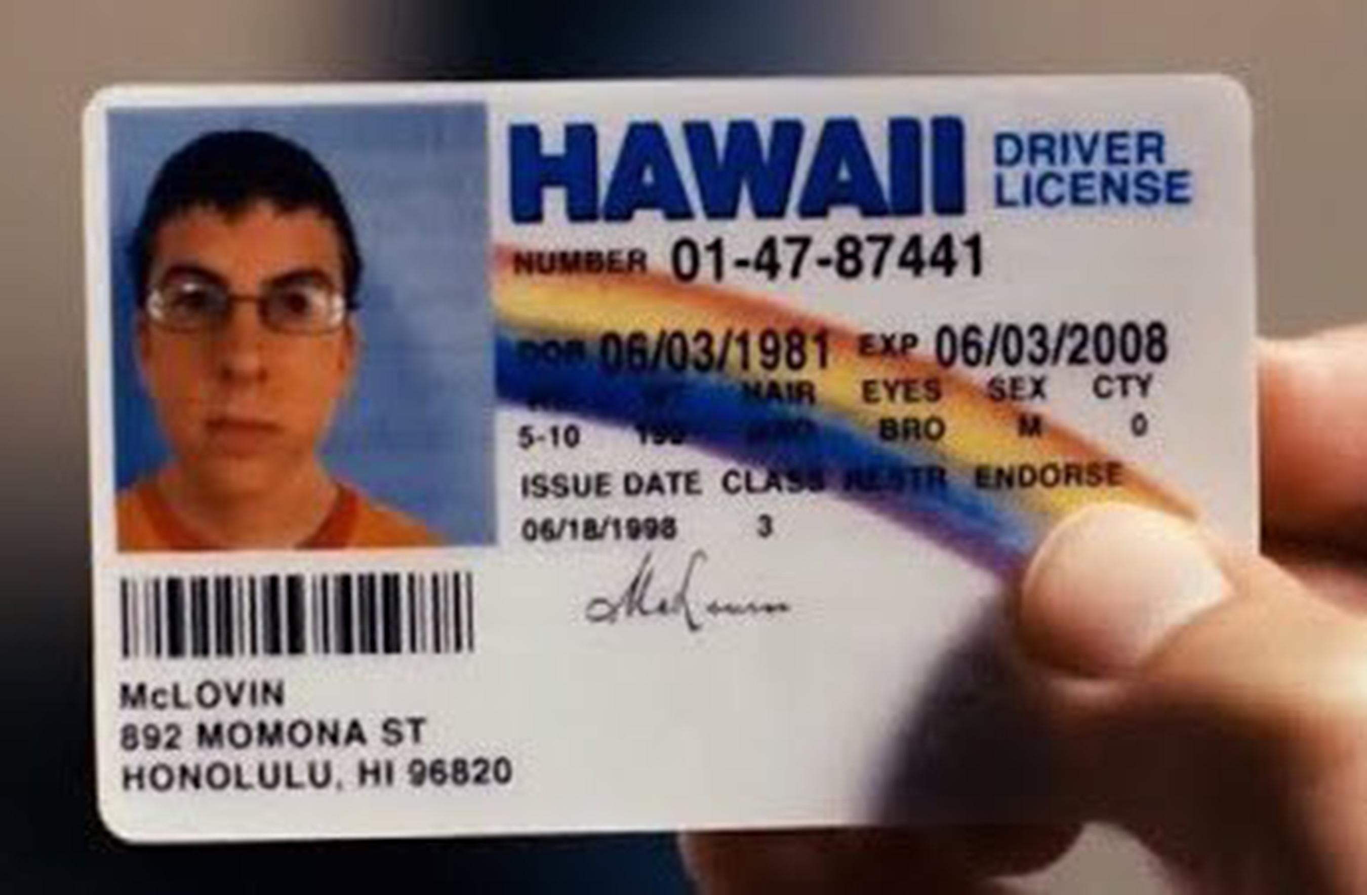 Detienen joven con identificación falsa a nombre de McLovin