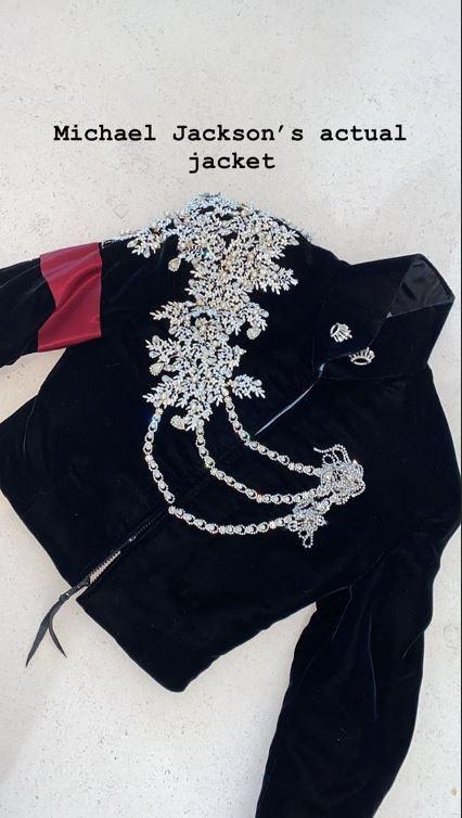 Hija de Kim Kardashian recibe chaqueta de Michael Jackson