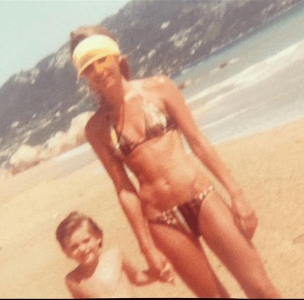 Gabriel Soto comparte con su mamá idéntica a Geraldine Bazán