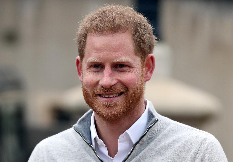 El príncipe Harry no es hijo de Carlos, sino del amante de Diana