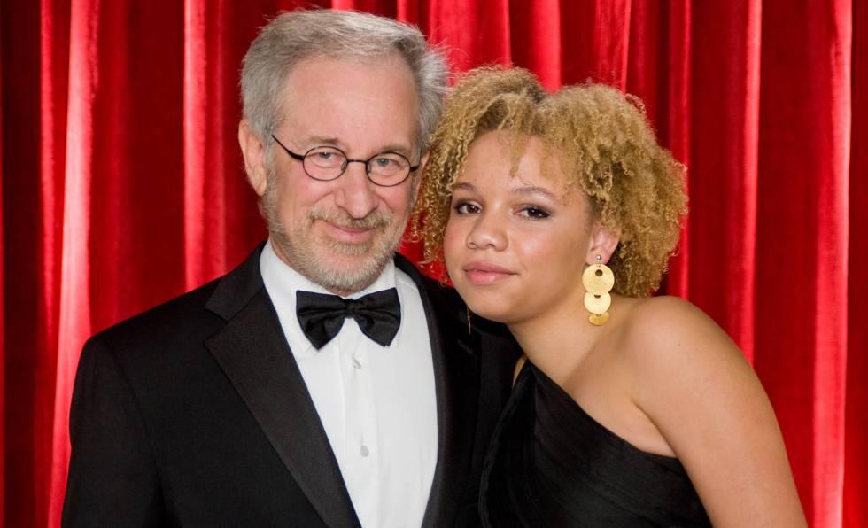 Mikaela Spielberg se dedicará al porno y a ser stripper