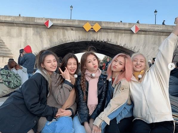 """ITZY lanza su comeback """"WANNABE"""" y su primer mini álbum"""