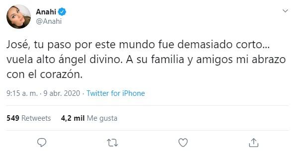 Anahí lamenta muerte de uno de sus fans en Nueva York