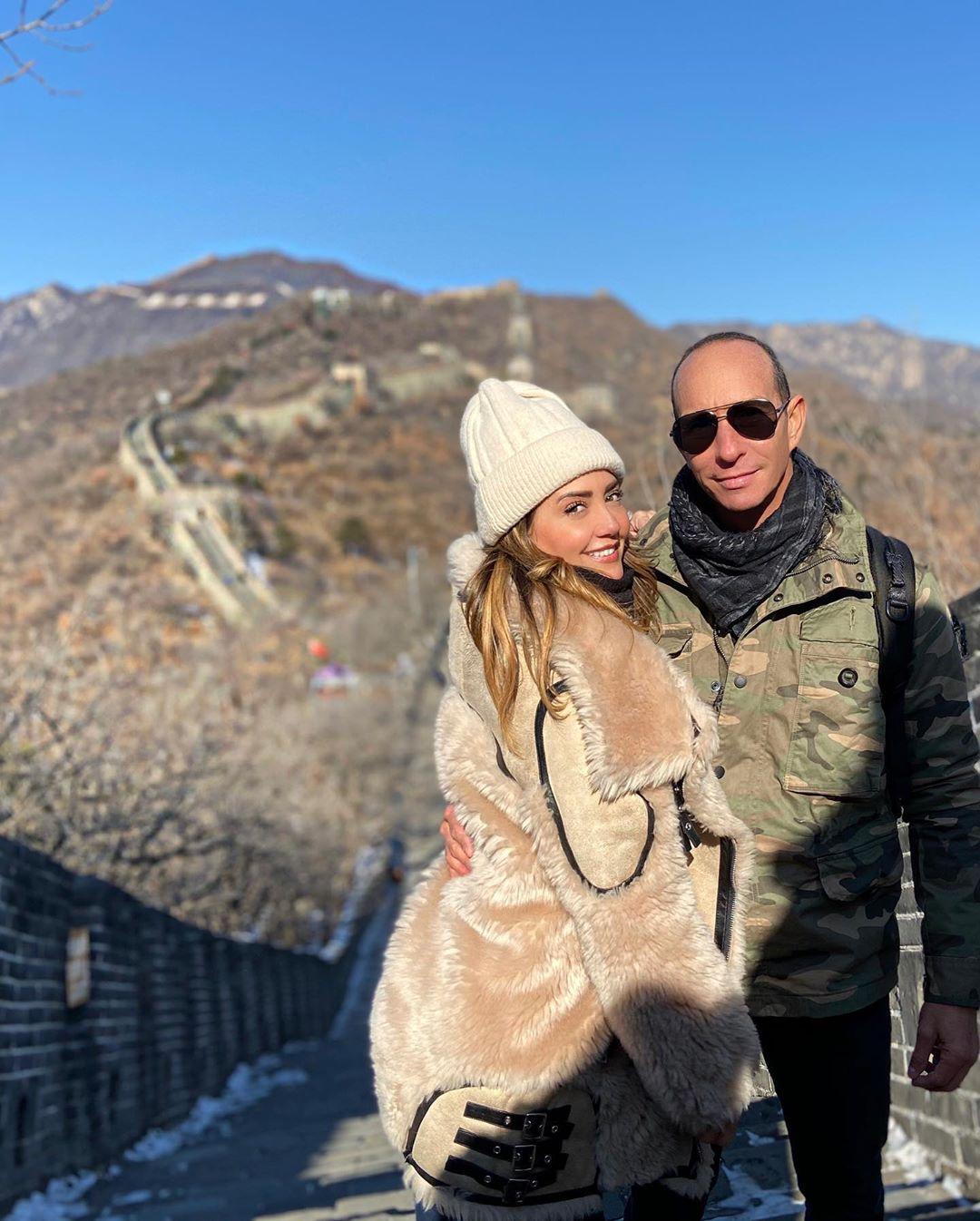 Andrea Legarreta festeja 20 años de casada con Erik Rubin