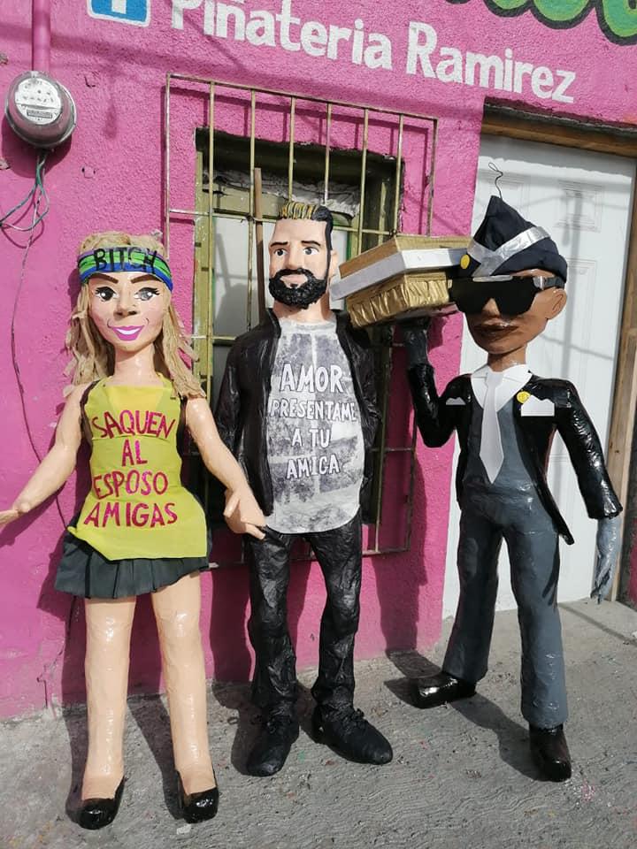 Américo Garza amenaza a piñatería Ramírez por sacar piñata de Karla Panini