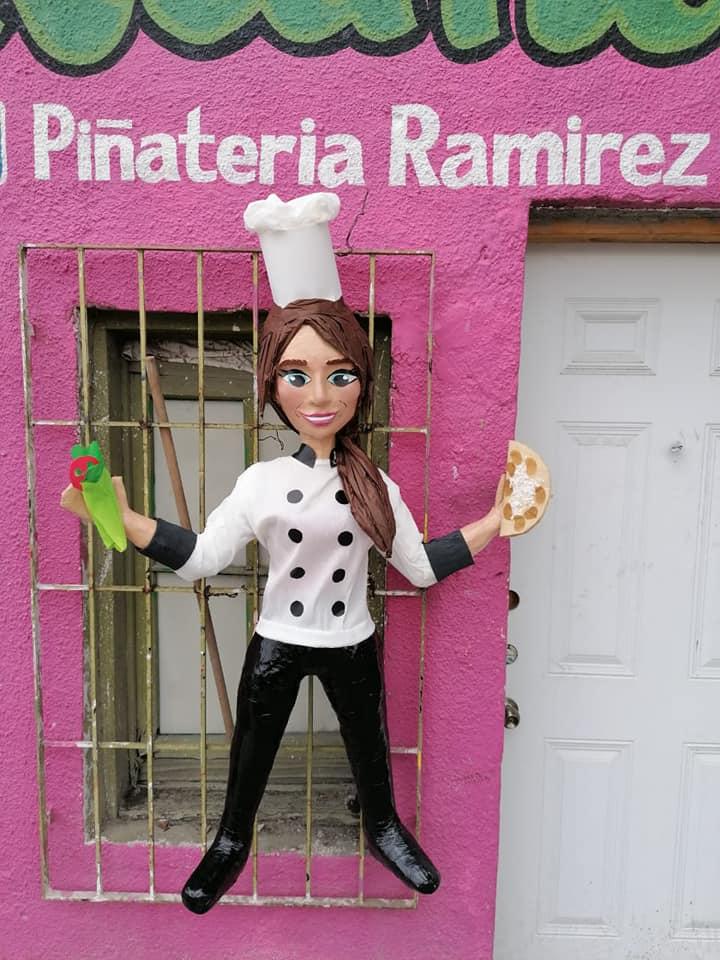 Piñata de Anahí se hace viral