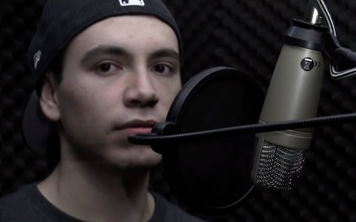 Raymix sale del clóset en un emotivo video