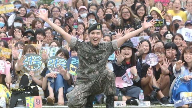 ¿Sabes por qué los idols del K-pop deben hacer su servicio militar?