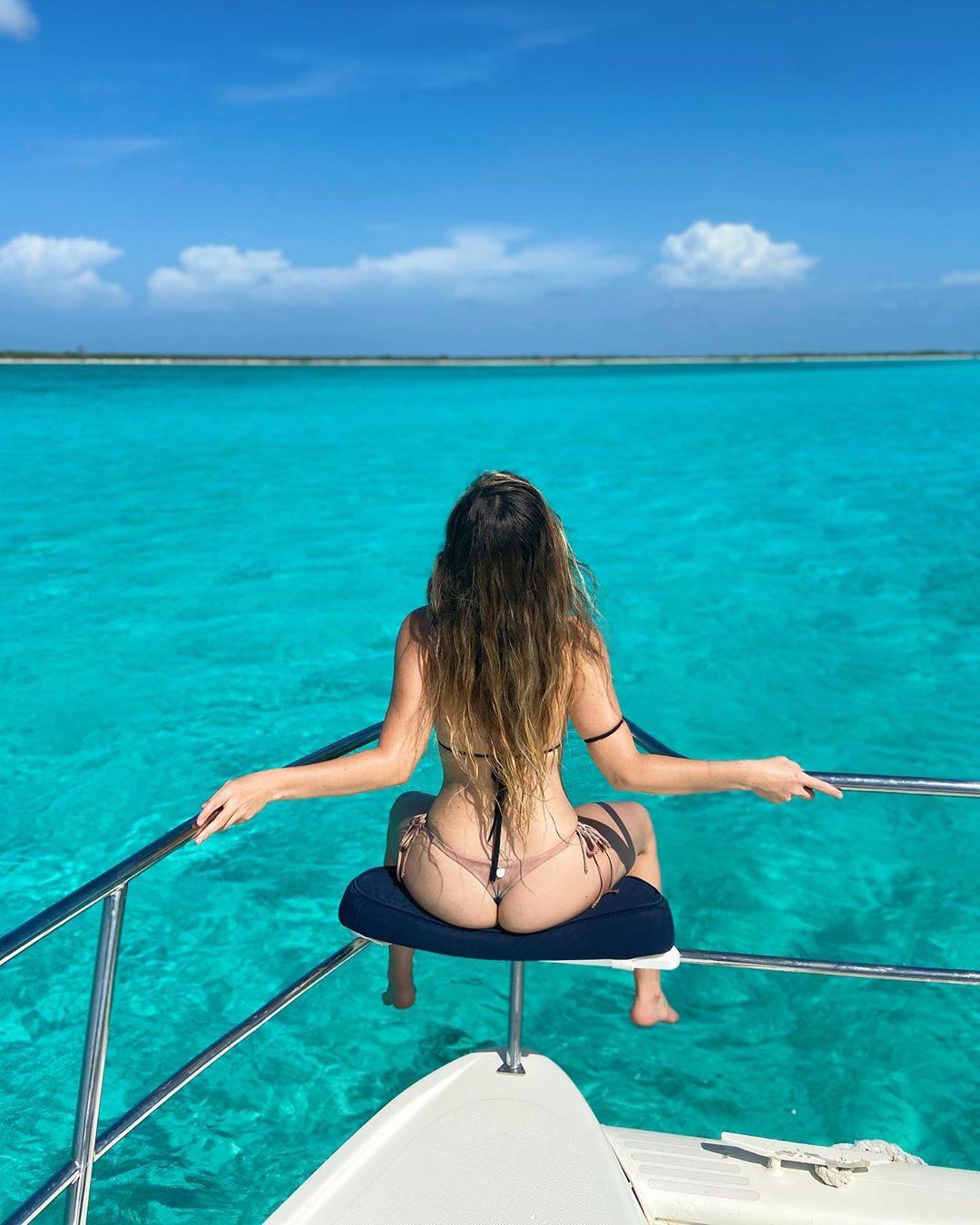 Camila Sodi impacta con tremendas fotos en playas mexicanas