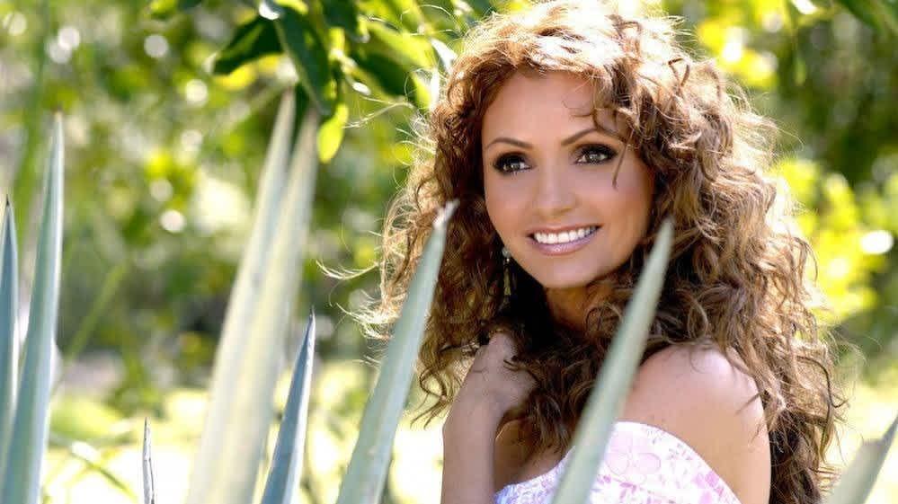 Ana Martin revela el penoso accidente que tuvo con Angélica Rivera