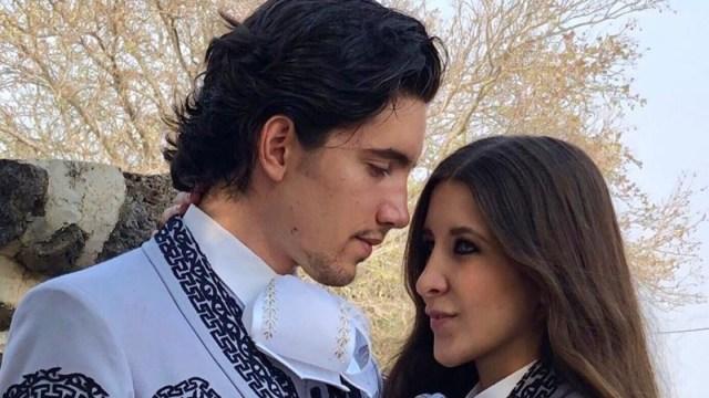 Alex Fernández Jr. presumió el anillo que le dio a su novia