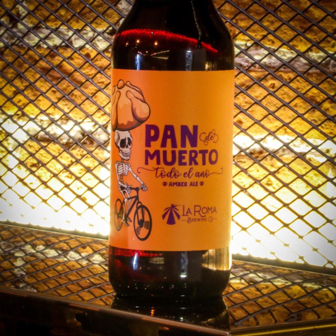 Crean cerveza de Pan de Muerto y así puedes comprarla