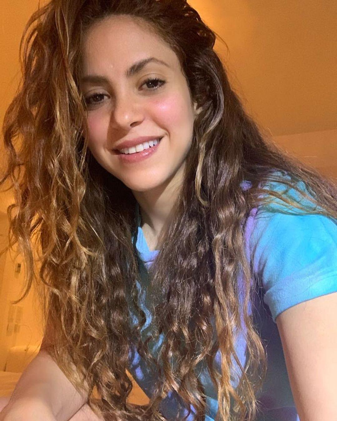 Shakira aplaude el waka waka de rose de BLACKPINK