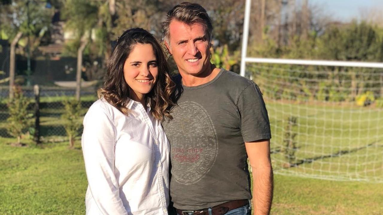 Juan Soler con su hija Valentina que lo volverá abuelo