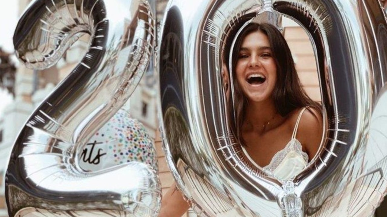 Hija de Mayrín Villanueva cumpleaños 20