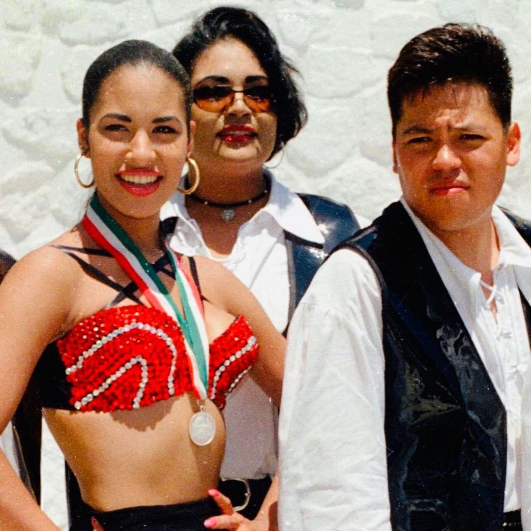 AB Quintanilla defiendió a Christian Serratos, actriz de Selena la serie
