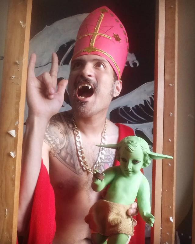 Artista mexicano crea el Niño Dios Baby Yoda