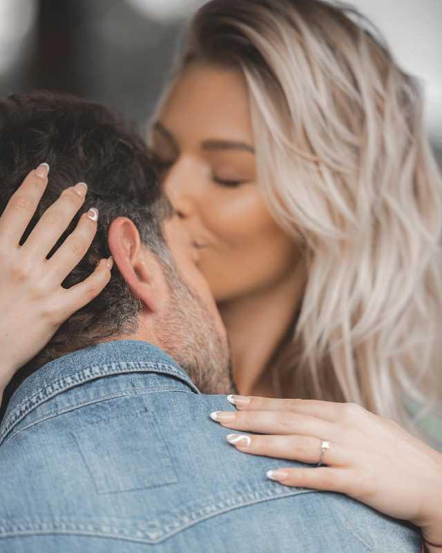 Gabriel Soto entrega anillo de compromiso a Irina Baeva