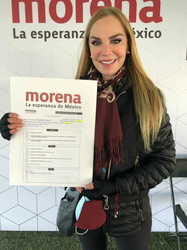 La actriz Gabriela Goldsmith se registra como precandidata de Morena para Naucalpan