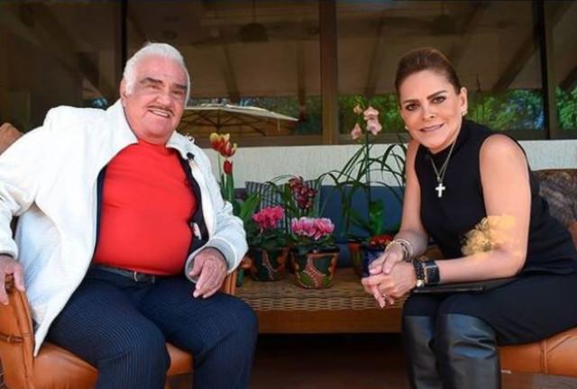 Mara Patricia Castañeda y Vicente Fernández en la entrevista