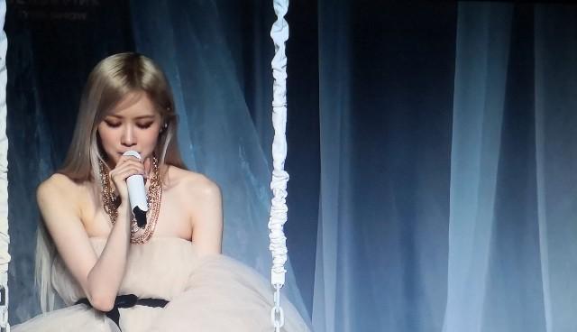 """BLACKPINK: Rosé en THE SHOW con su solo """"Gone"""""""