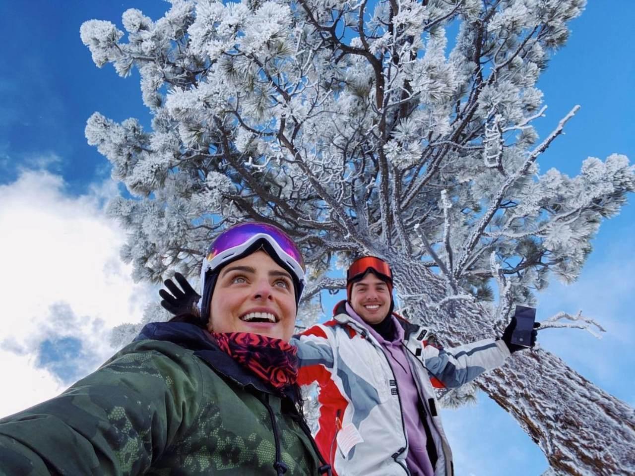 Aislinn y Vadhir en la nieve