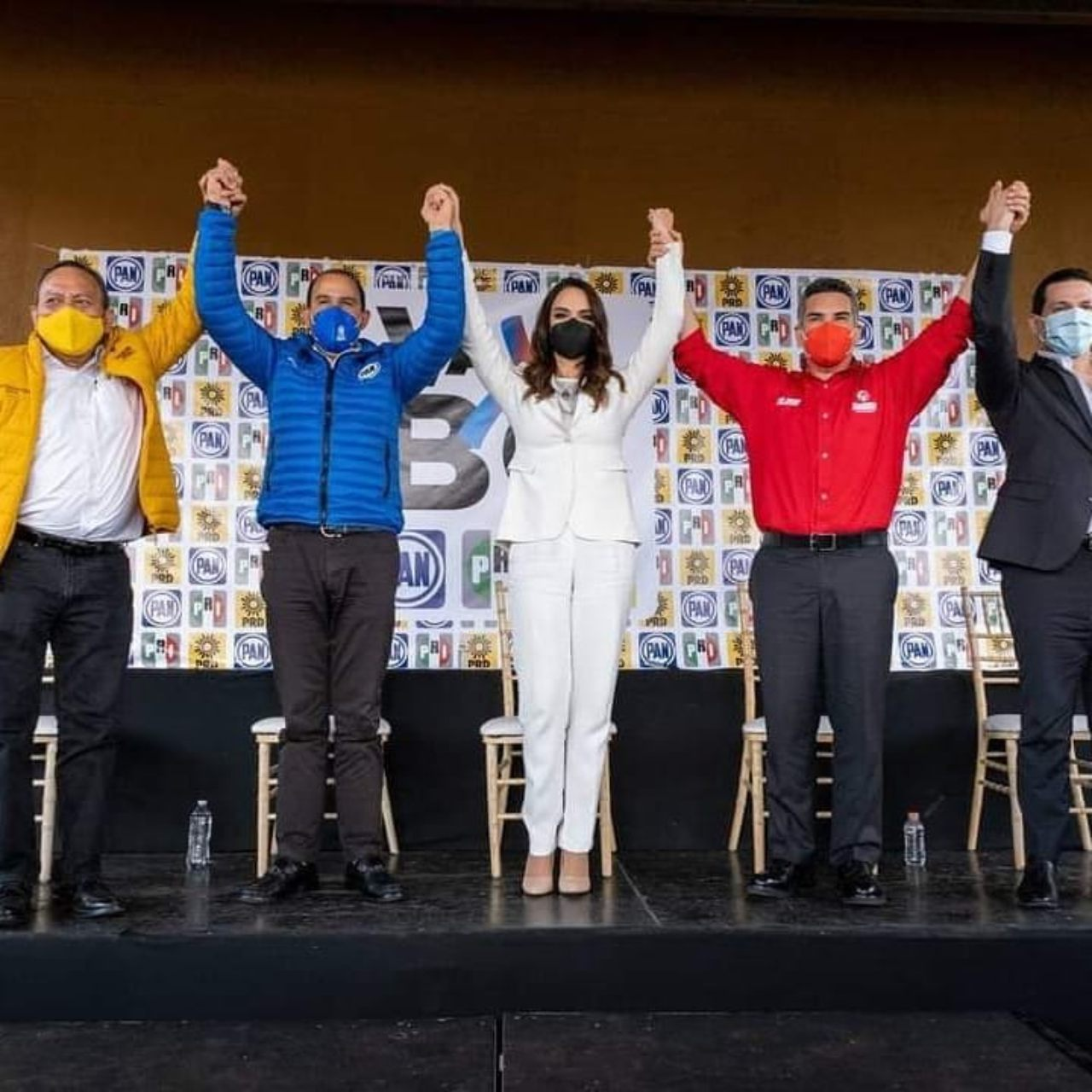 Lupita Jones presenta candidata gobernadora
