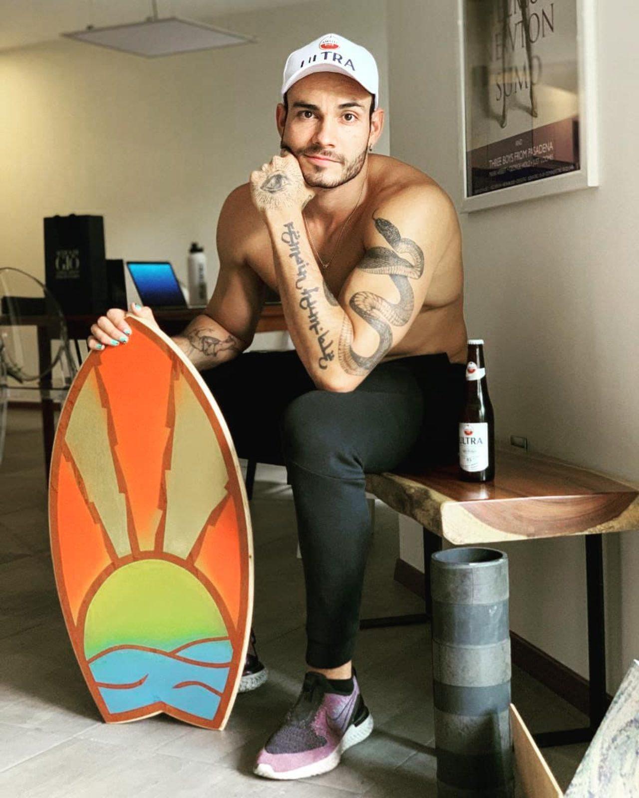 Pascal Nadaud practicando surf